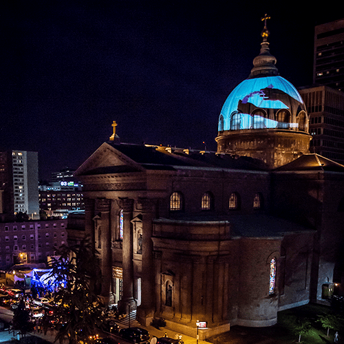 Blue Poney 3d Video Projection on the Basilica for Pope's Visit.